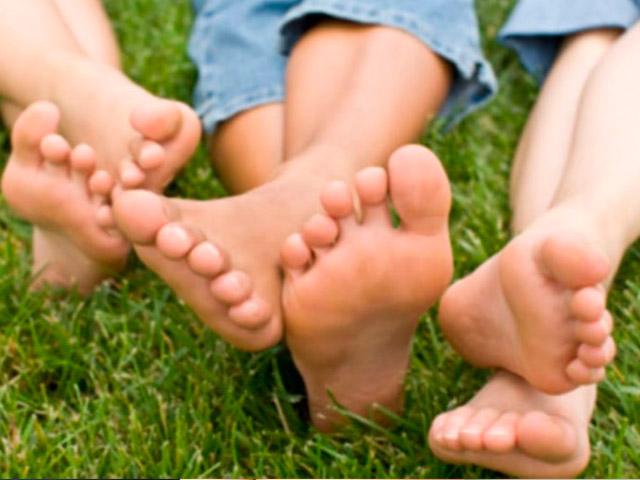 Как лечить отеки ног?